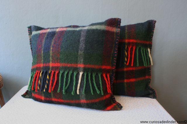Wollen Deken Geruit.Wollen Kussens Geruit Woolen Cushions Vintage Dekens