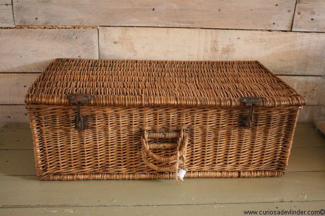 Brocante Rieten Koffer.Verkocht Rieten Mand Rechthoek Brocante Wicker Basket